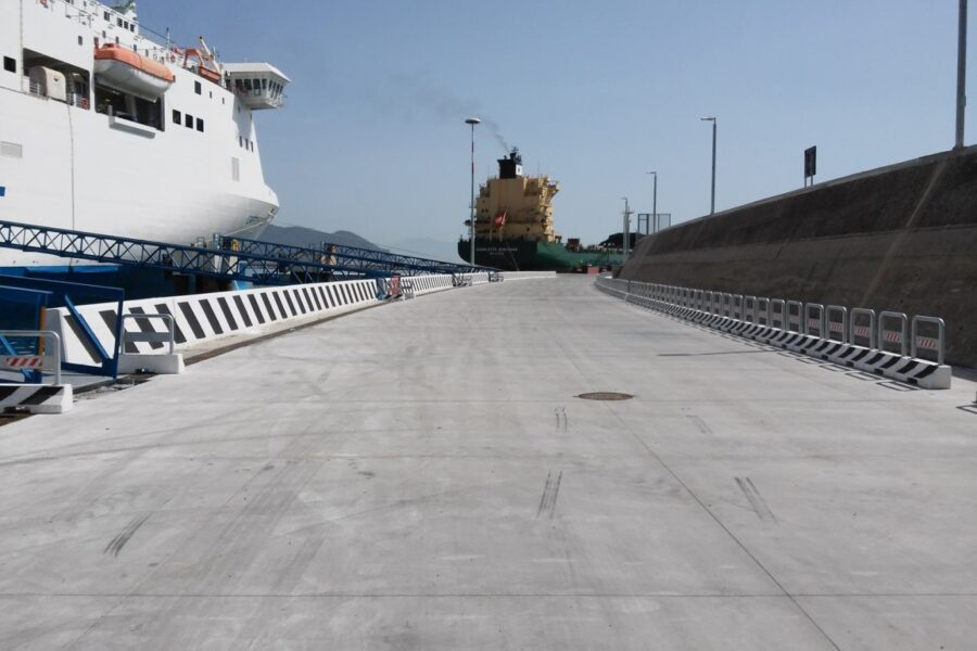 Pavimentazioni industriali: la realizzazione della banchina del molo RO.RO. nel Porto Commerciale di Salerno